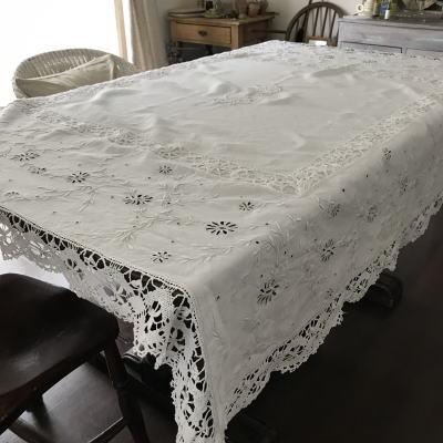 T2855 フランスアンティークリネン大判テーブルクロス ボビンレース&手刺繍リネン 160x151cm