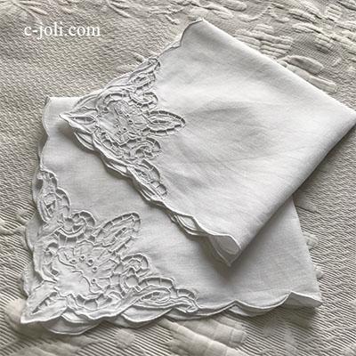 【パリ発送】T2911 フランスアンティークリネンテーブルナプキン/リネンクロス2枚 カットワーク手刺繍リネン 47x46cm