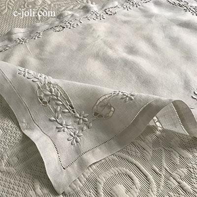 【パリ発送】T2930 フランスアンティークリネンテーブルマット カットワーク手刺繍リネンクロス 67x47cm
