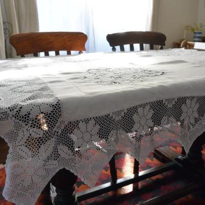 T2165 イギリスアンティークリネン大判テーブルクロス カットワーク手刺繍リネン&クロシェレースクロス 134x130cm