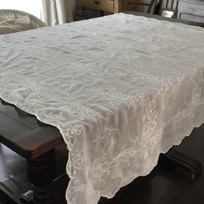 T2834 フランスアンティーク刺繍大判テーブルクロス コーネリー刺繍コットンローン 145x130cm