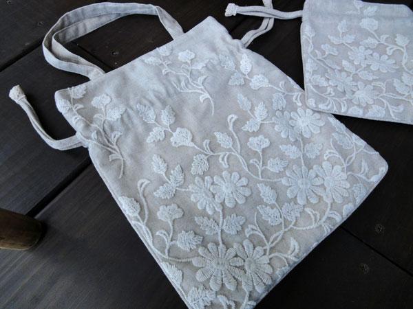 【巾着型バッグ】チュールにコットン刺繍 小物が仲間入り♪