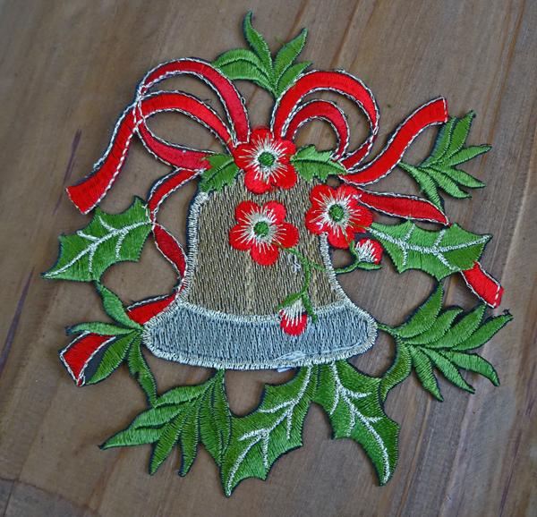 クリスマスを楽しく彩る『ドイリー』ベル柄 コースター
