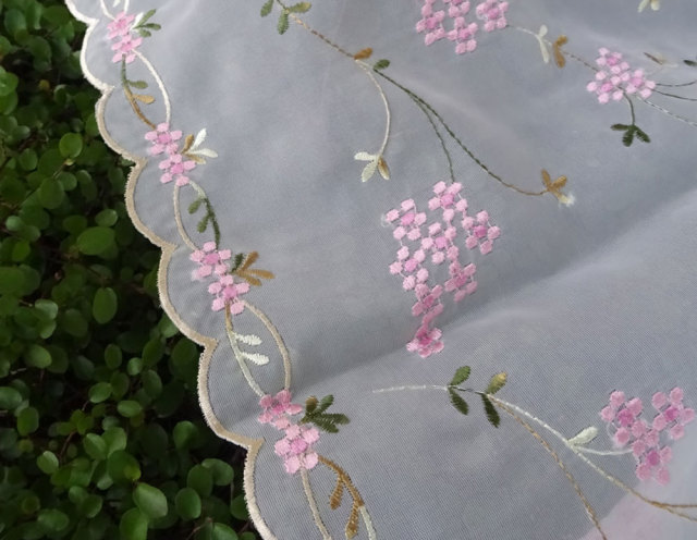 NEW ボイルレース ピンクハーブ刺繍『カフェカーテン』creep 送料無料 おしゃれ 透け感がかわいい 縦約45cm 小窓にショートサイズ