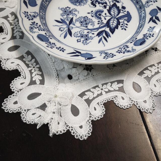 リボンとラウンドレース 動きの有る立体お花 全てが可愛い 珍しい『ドイリー』ソーサー 手芸 プレゼント お礼にも テーブルセンター