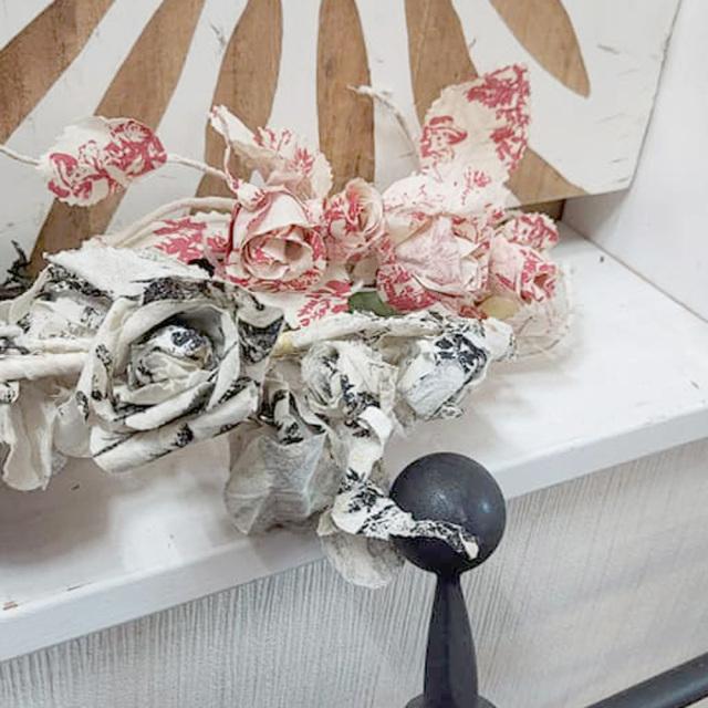 ローズ シャビーブラック シャビーレッド『アートフラワー』ハンドメイドコットン薔薇スワッグORリースORガーランド 選べる薔薇 ローズモチーフ*シャビーな空間にオススメ♪