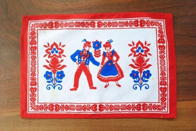 ドイツ デッドストック 民族衣装プリント ランチョンマット 43x29cm  チロリアン テーブルクロス テーブルリネン
