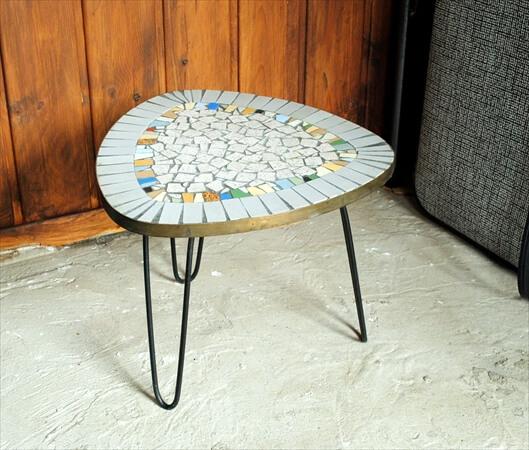 ドイツ買い付け 石のタイルトップ フラワーテーブル 花台 アンティーク ヴィンテージ ディスプレイ 什器