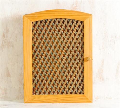 デンマークのブロカントから 壁掛けフック ウォールフック 鍵ラック 収納棚 シェルフ ヴィンテージ アンティーク 北欧雑貨