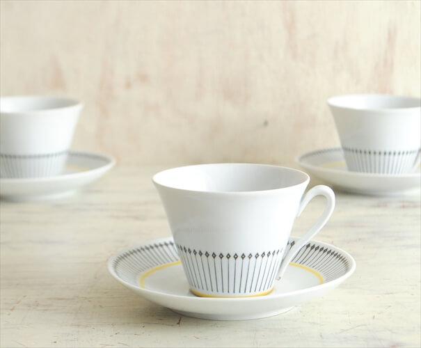 スウェーデン製 Upsala Ekeby Karlskrona こぶりなカップ&ソーサー  ウプサラエクビー 磁器 陶器 北欧食器 アンティーク