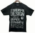"Serye Design ""SUPER DYNAMITE"" Tシャツ 2色展開"