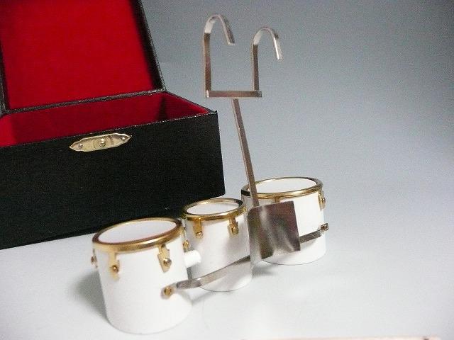 マーチングドラム 3連♪【ピアノ型2WAYトート】   ※お取り寄せ商品 【音楽雑貨 音符・ピアノモチーフ】音符 ト音記号 ピアノ雑貨