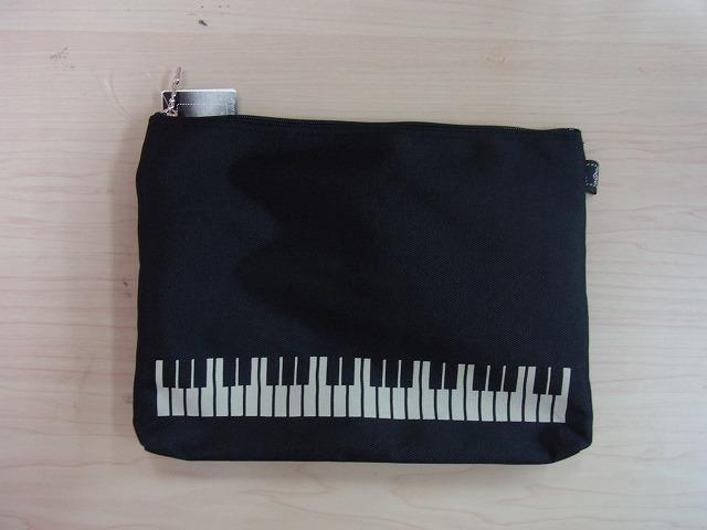 ポケットポーチ・鍵盤ブラック♪お取り寄せ商品です♪音楽雑貨 音符 音楽グッズ