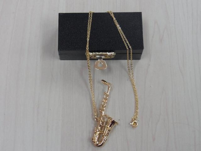 アルトサックス ネックレス ♪この商品はお取り寄せ商品です♪【プレゼントに最適♪】 音楽雑貨 音楽グッズ  <br>音楽発表会 吹奏楽
