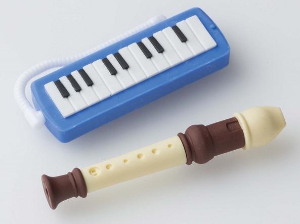 消しゴム 管楽器 ブルー ※お取り寄せ商品 【音楽雑貨 音符・ピアノモチーフ】ト音記号 ピアノ雑貨