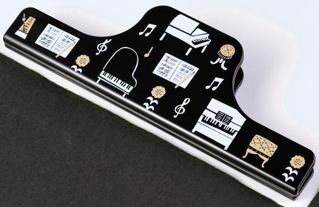 ワイドクリップ la la PIANO ※お取り寄せ商品 引き出物 記念品 音楽雑貨 音符 ピアノモチーフ ト音記号 ピアノ雑貨