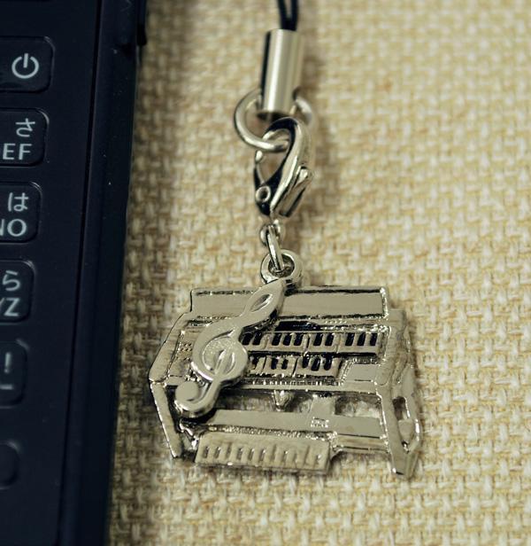 電子オルガン 携帯ストラップ♪♪【鍵盤楽器・携帯ストラップ-音楽雑貨】