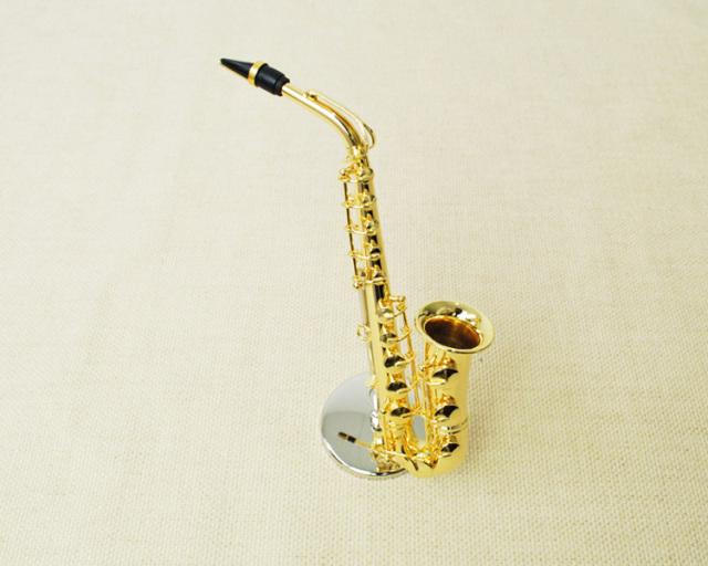 ミニチュア楽器!アルトサックス 1/6 スケール(ゴールド)♪お取り寄せ商品です♪♪【楽器-音楽雑貨】