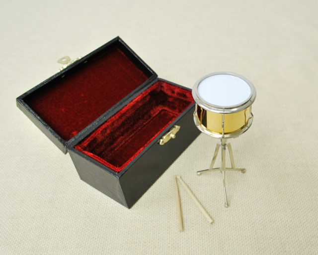 ミニチュア楽器!スネアドラム♪赤or金は選べません♪お取り寄せ商品です♪【楽器-音楽雑貨】