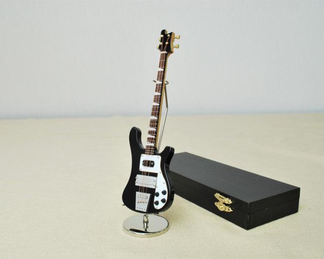 ミニチュア楽器!ベースギター♪お取り寄せ商品です♪♪【楽器-音楽雑貨】