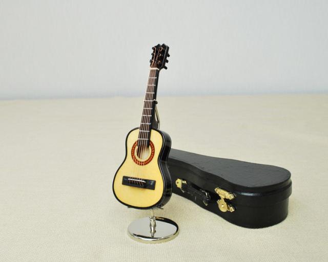 ミニチュア楽器!クラシックギター♪この商品はお取り寄せ商品です♪♪【楽器-音楽雑貨】