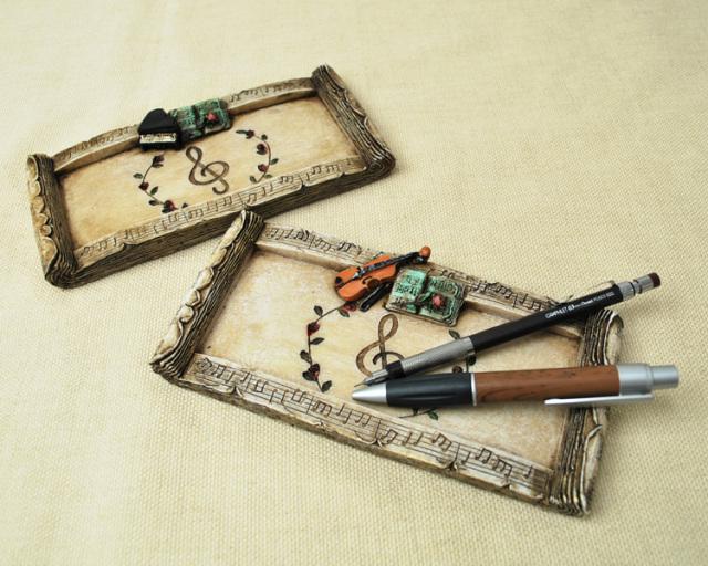 バイオリンとピアノの飾りがお洒落なペントレー♪♪【楽器・小物-音楽雑貨】