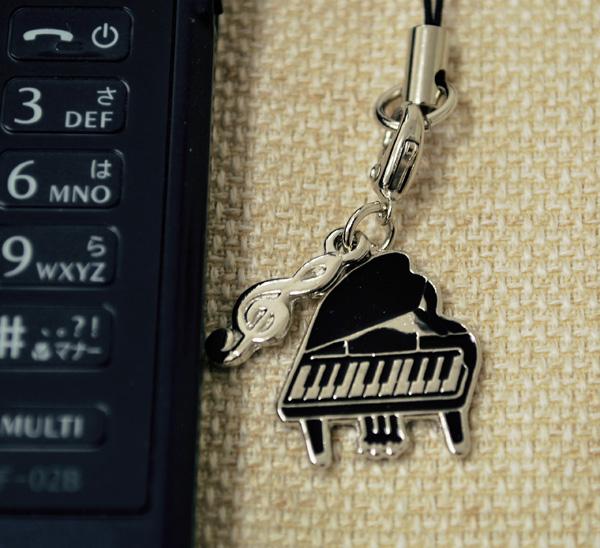 ピアノ 携帯ストラップ【鍵盤楽器】♪♪【ピアノ発表会の記念品におすすめ♪-音楽雑貨】