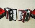 ミニチュア楽器!アコーディオン (黒・赤)♪※この商品はお取り寄せ商品です♪♪【楽器-音楽雑貨】