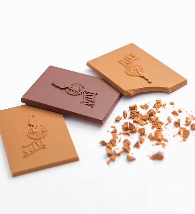 Chocolate Naive Bean to Bar ハンドメードチョコレート