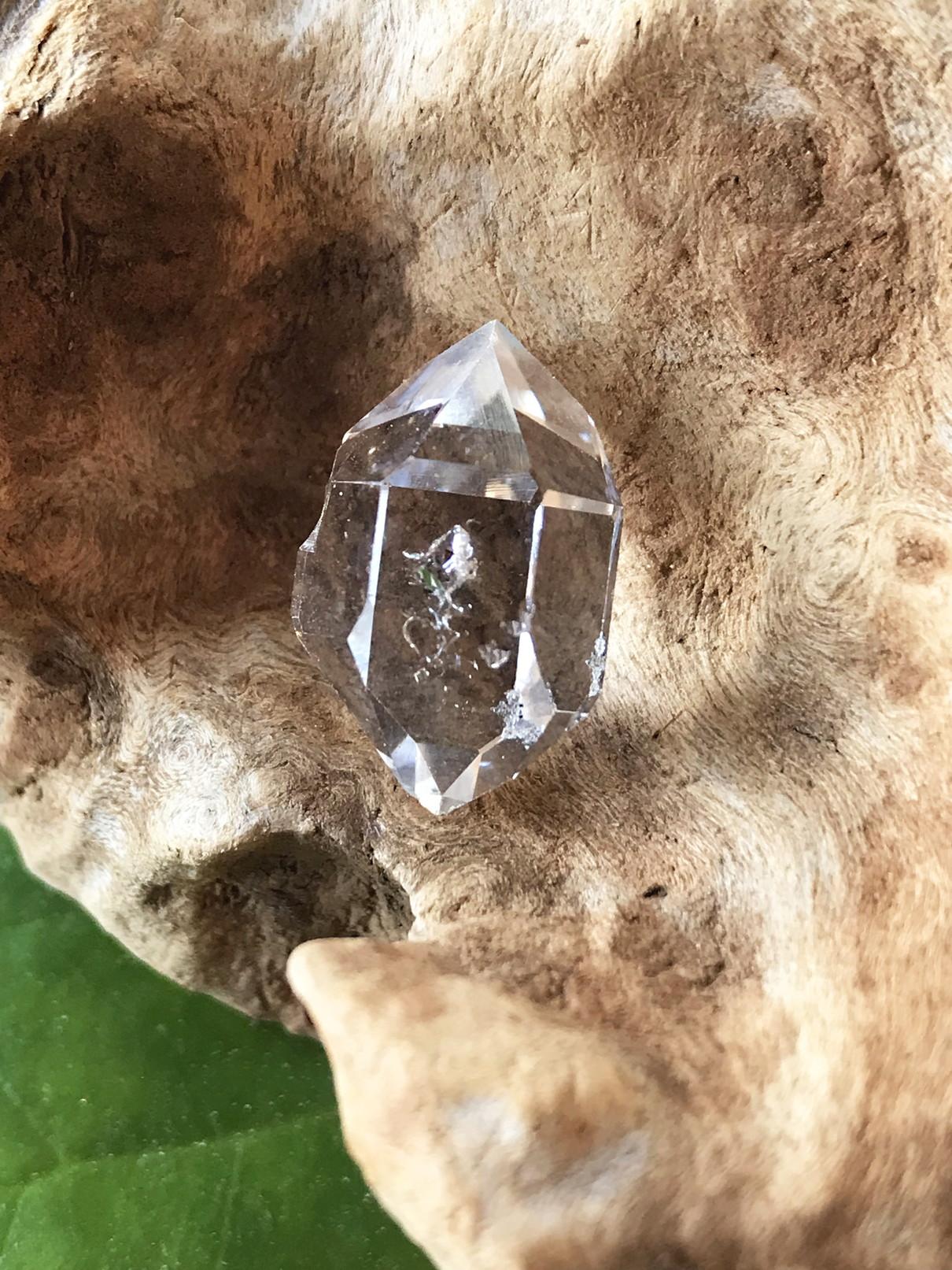 ハーキマー・ダイヤモンド HKM053