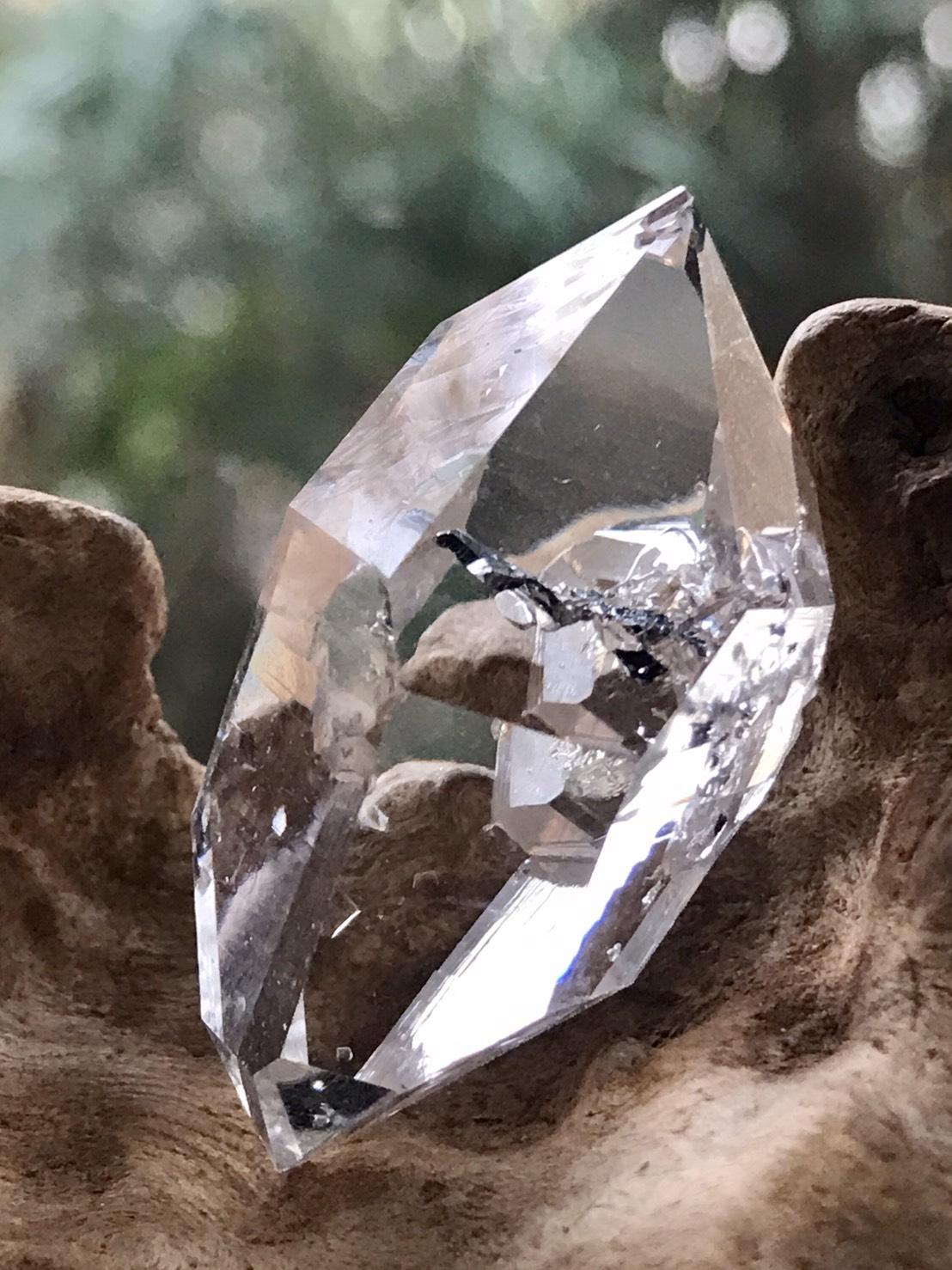 ハーキマー・ダイヤモンド (イシス) HKM136