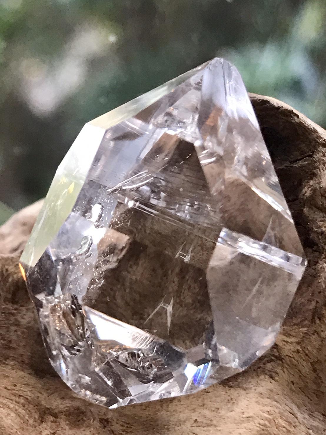 ハーキマー・ダイヤモンド HKM137