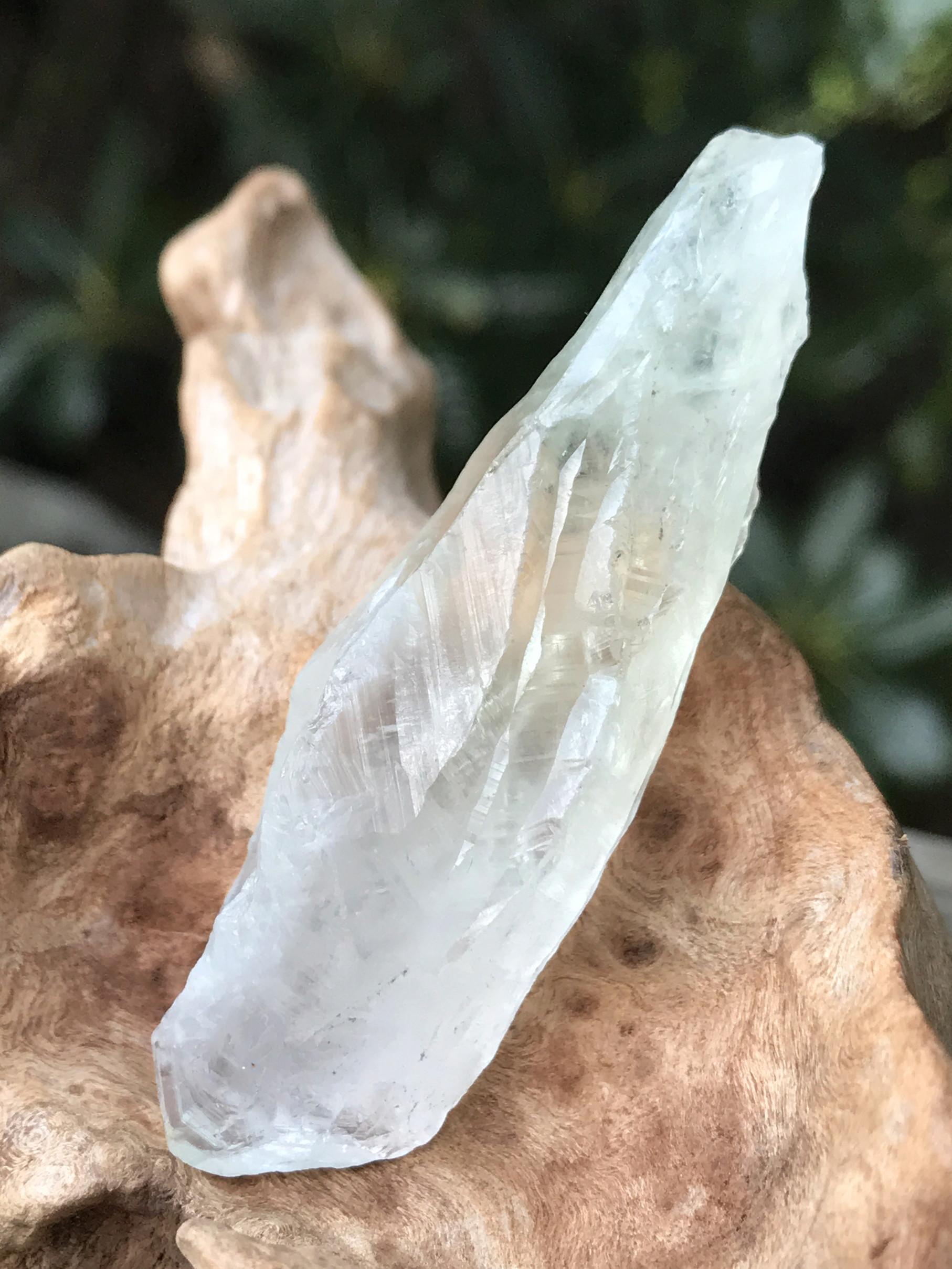ブラジル産プラシオライト・原石 PRO002