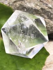 ブラジル産多面体水晶(20面体)・レインボウ ICO001