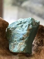 イラン産ターコイズ原石 TUR014