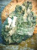イタリア・ピエモンテ州産水晶クラスターwithクローライト IQC001