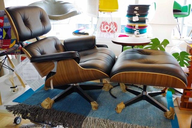 Herman Miller ハーマンミラー Eames Lounge Chair イームズラウンジチェア&オットマン Walnut ウォールナット 特別セットの展示品