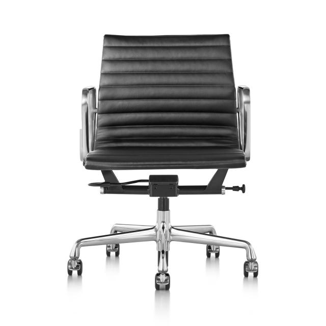 【ハーマンミラー正規品】イームズアルミナムグループチェア マネージメントチェア 黒皮革 アルミバフベース(ガス圧昇降仕様) Eames Aluminum Group Management Chair