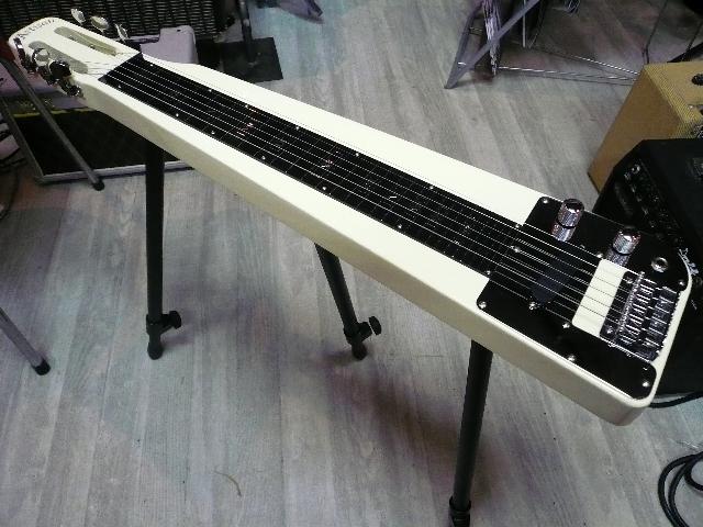 Artisan (アーチザン) EA-3 ハワイアン スチールギター EA3 着脱式 足スタンド付 スティールギター  【 HAWAIIAN Steel Guitar 】 ラップスチール