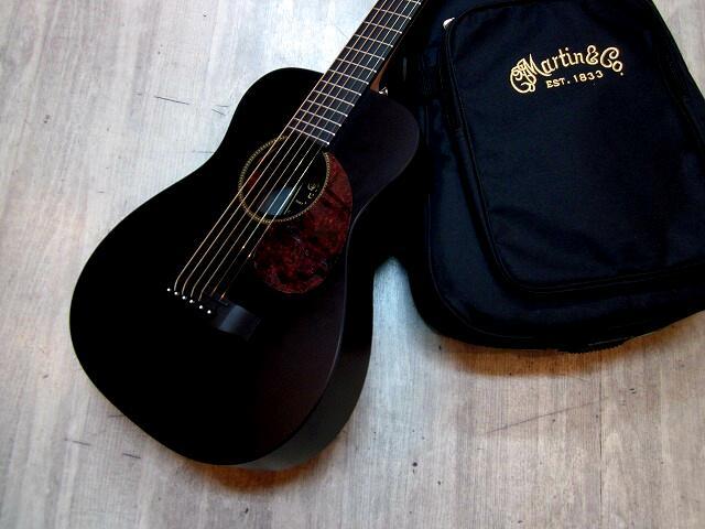 MARTIN LX Black Pickguard マイク搭載! 【アンプに繋げる ミニギター リトルマーチン ブラック 黒 BLK 】