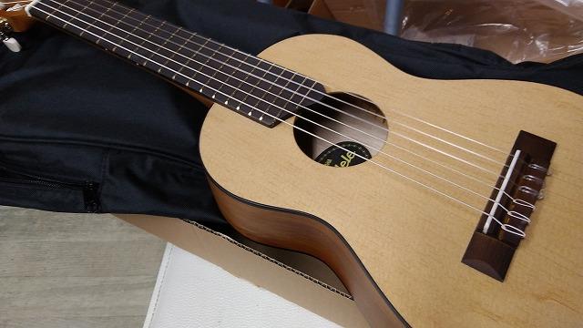 YAMAHA GL1 ギタレレ ミニ ナイロン弦ギター Mini Guitar  ヤマハ  Guitalele GL-1 ミニ クラシックギター アンプにつなげるマイク付! ミニ エレガット ギター