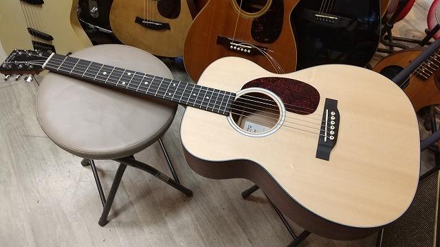 Martin Junior 000 フォークギタータイプ 000JR 10  アンプに繋げる  【 マーチン ジュニア JR 000JR10 pickup搭載 】