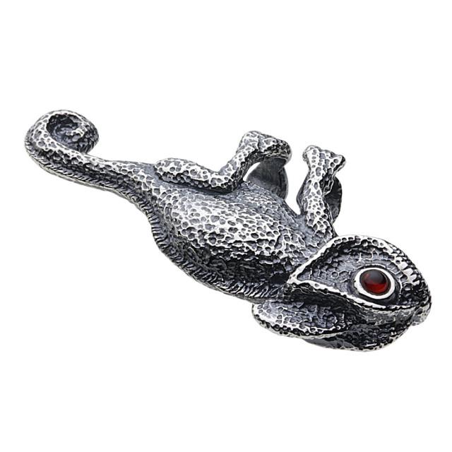 cenote p0651 【シルバーアクセサリー】 カメレオンペンダント ガーネット