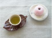 白茶 和菓子と