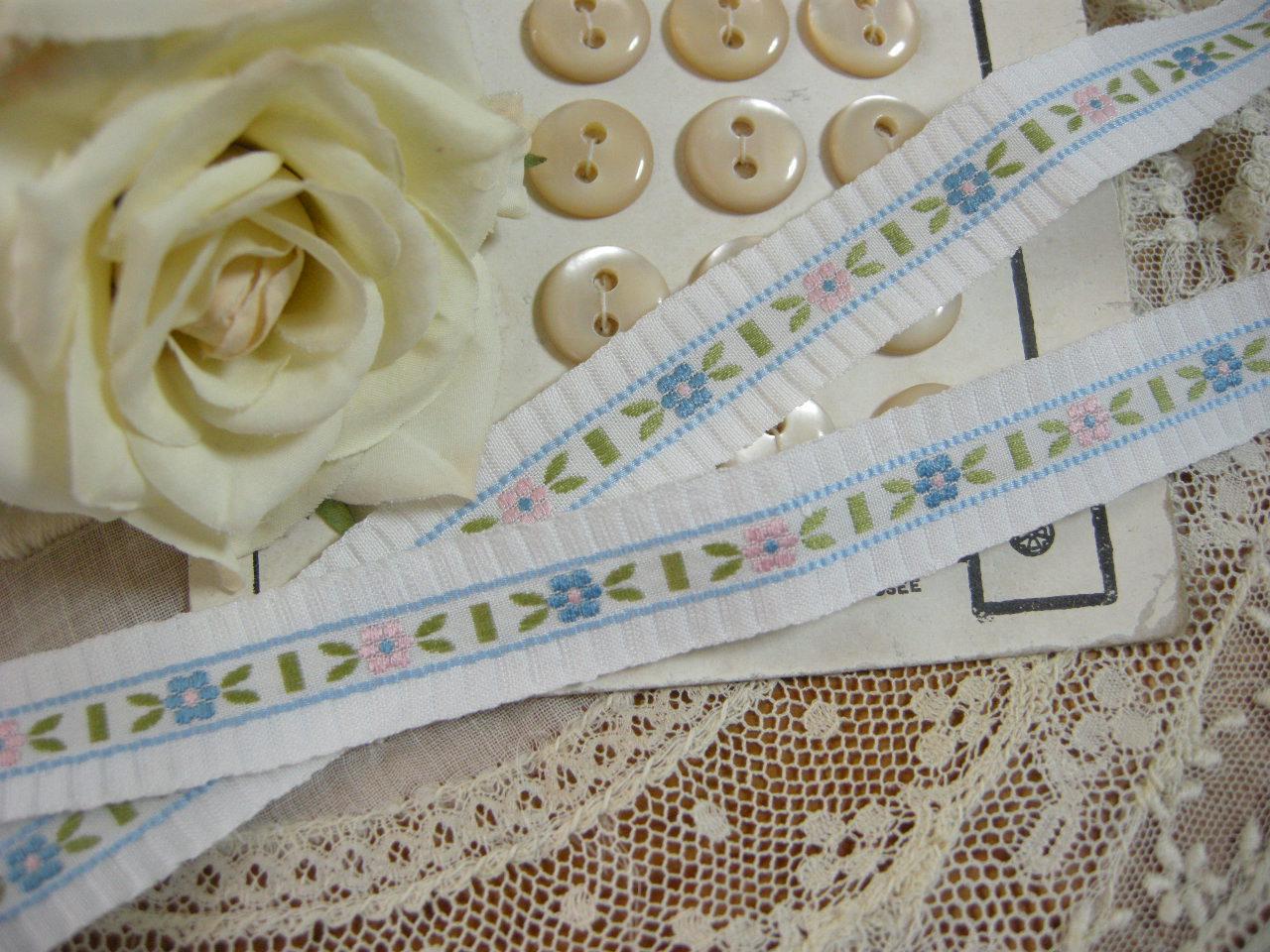 Ruban(Petite fleurs/Blanc)