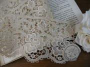 アンティークラベル付き刺繍レース