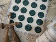 フランスアンティークプラスチックボタン(フラワーシェイプグリーンM)