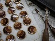 フランスアンティークメタルブラウンボタン