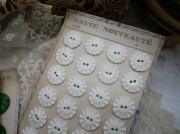 フランスアンティークベークライトボタン(ホワイトL)