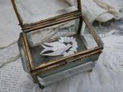 フランスアンティークマザーオブパール小鳥ブローチ
